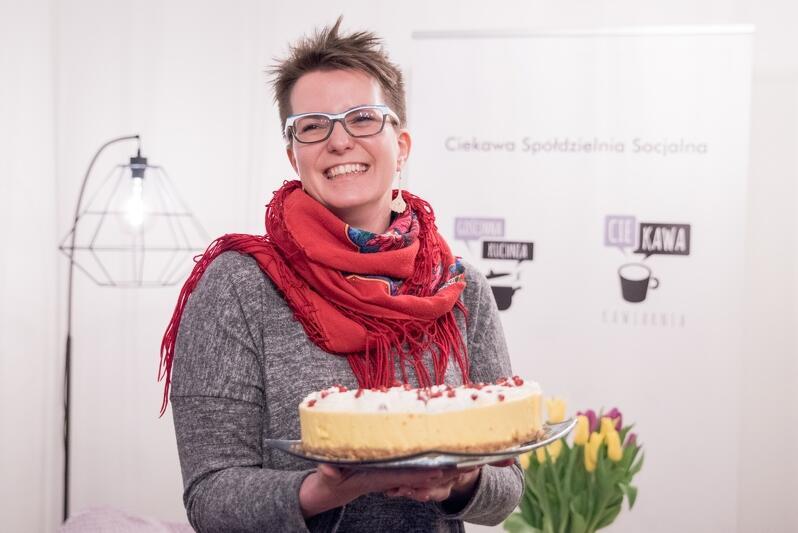 Karolina Bąk i jej sernik mango