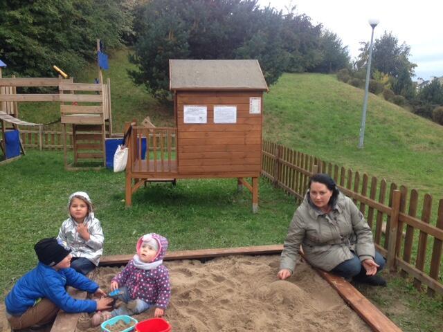 Projekt gotowy: domek, piaskownica, płotek