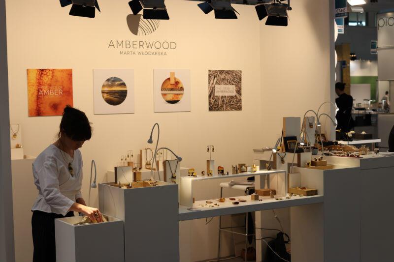 Marta Włodarska, firma Amberwood - biżuteria z bursztynu i drewna