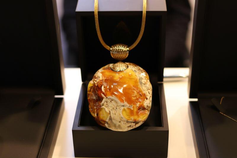 Biżuteria firmy A2 Jewellery Design z ul. Mariackiej