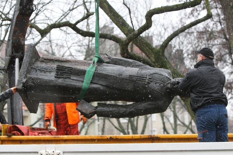 23 lutego 2019 r. - przywracanie pomnika ks. prał. Henryk Jankowskiego