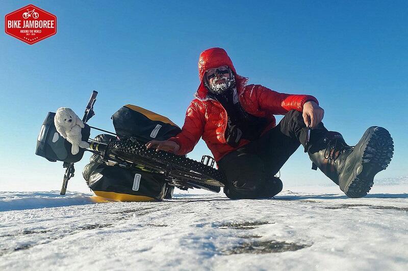 Artur Wysocki - samotny uczestnik Bike Jamboree w Mongolii