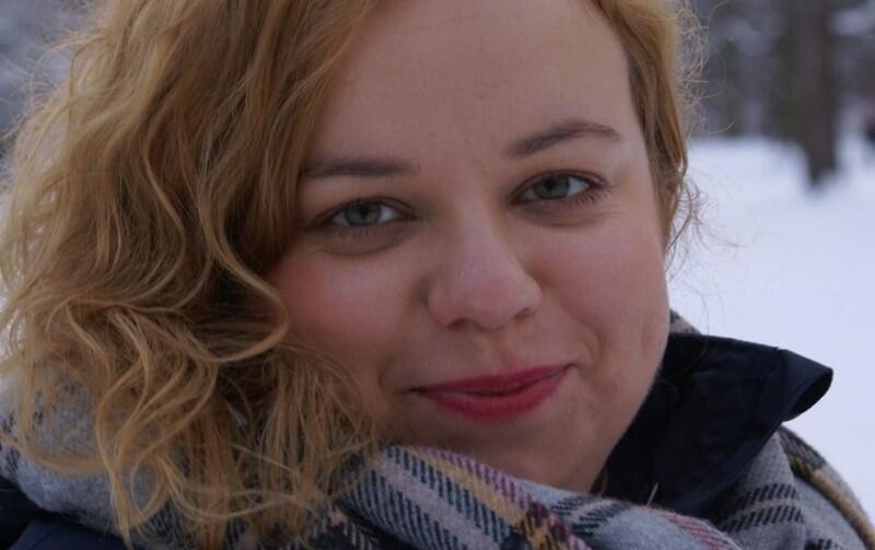 - Nie dyskutować ze sprawcą, zabezpieczyć materiały i iść z nimi na policję - mówi Joanna Grabarczyk, która pracuje dla Komisji Europejskiej, gdzie zajmuje się przestępstwami motywowanymi uprzedzeniami