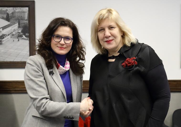 Komisarz Praw Człowieka Rady Europy Dunja Mijatović i prezydent Gdańska Aleksandra Dulkiewicz podczas spotkania 12 marca 2019 r.