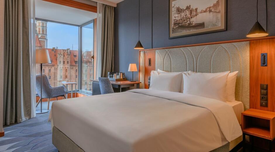 Tak wyglądają standardowe pokoje w tym nowym gdańskim hotelu