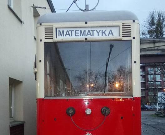 Zabytkowy tramwaj plus matematyka równa się sukces