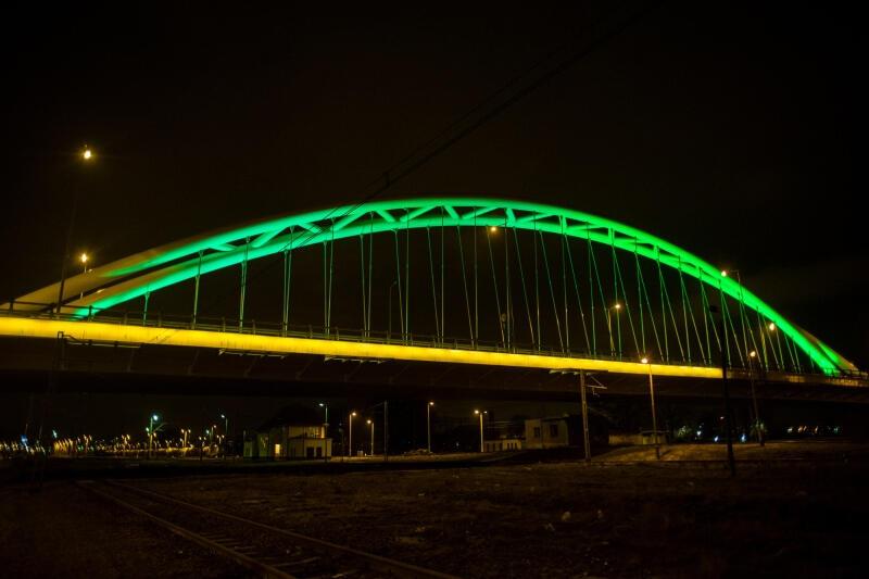 Wiadukt przy ul. Uczniowskiej w Gdańsku od kilku lat w Dzień Świętego Patryka zostaje podświetlony na zielono