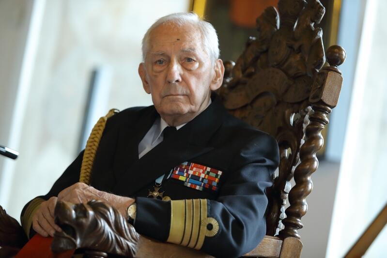 Kmdr Roman Rakowski świętował 95. urodziny