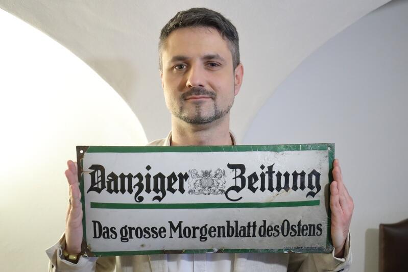 Andrzej Gierszewski, rzecznik Muzeum Gdańska był zachwycony tą tablicą. Może planują Państwo porządki w piwnicy?