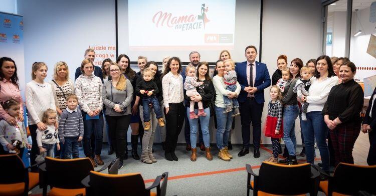 Inauguracja programu Mama na etacie