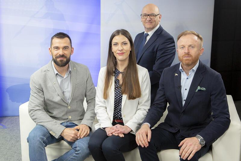 Od lewej: Paweł Habrat - psycholog sportu i pomysłodawca konferencji, Natalia Breza - biuro zarządu Lechii Gdańsk, redaktor Marek Wałuszko i Piotr Stokowiec - trener Lechii Gdańsk