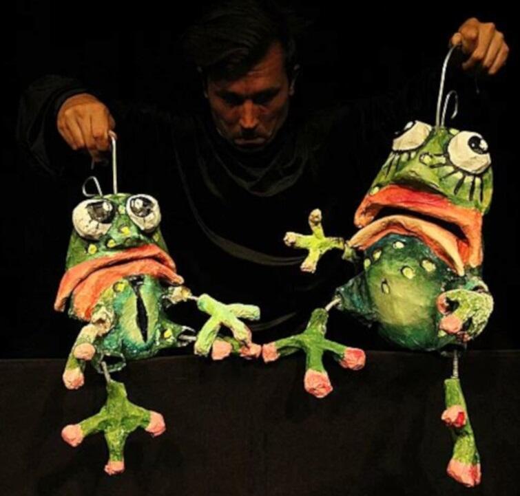 """Calineczka"" Teatru Barnaby to marionetkowa adaptacja słynnej baśni Hansa Christiana Andersena"