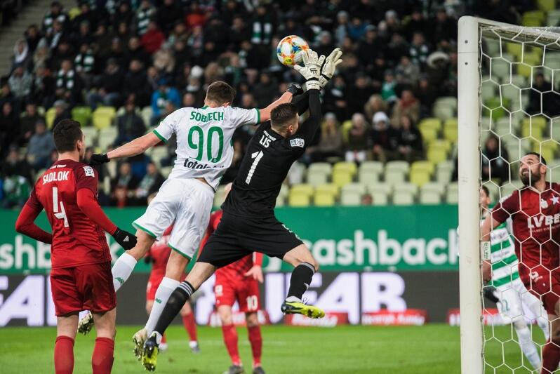 Czy Artur Sobiech się przełamie i strzeli gola dla Lechii?