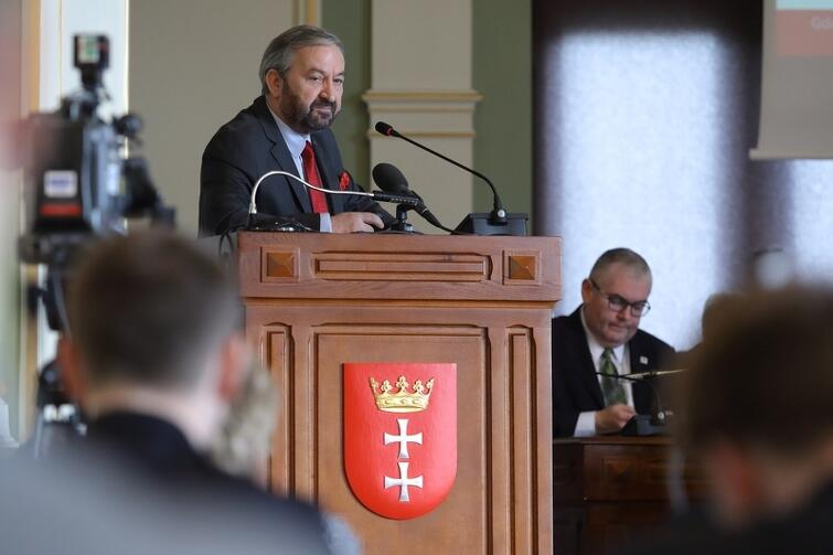 Roland Budnik opowiadał w czwartek radnym o sytuacji na gdańskim rynku pracy