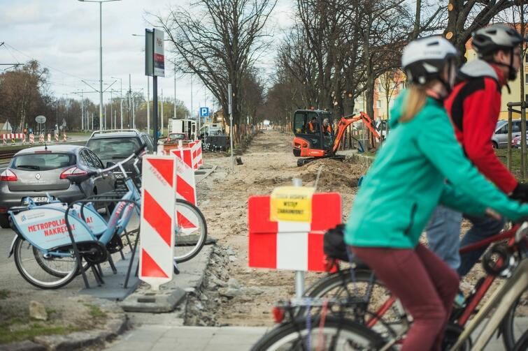 Budowa drogi rowerowej na Al. Hallera