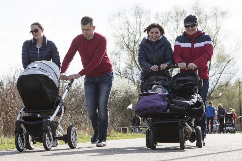 Zachęcamy do aktywności fizycznej, w ramach zajęć finansowanych z BO 2019, także z dziecięcymi wózkami