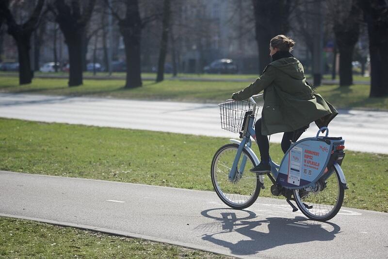 Dziennie w 14 gminach metropolii odnotowywanych jest nawet 13 tys. wypożyczeń rowerów publicznych