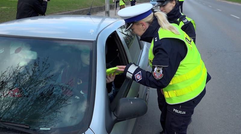 Gdańsk rozpoczął akcję rozdawania odblaskowych kamizelek. Kto chciałby taką otrzymać, ma na to szansę do 12 kwietnia