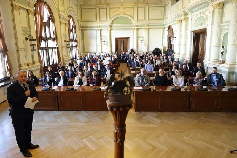 Wtorkowe uroczystości w Nowym Ratuszu poprowadził wiceprzewodniczący Rady Miasta Gdańska Piotr Gierszewski