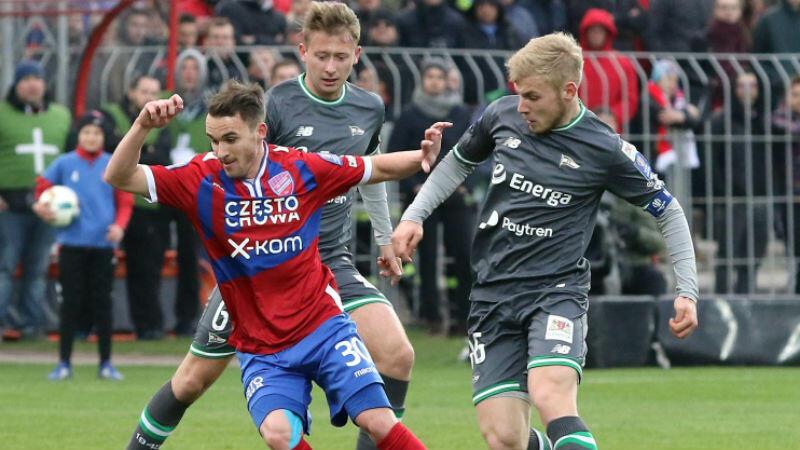 Mecz w Częstochowie był bardzo wyrównany, oba zespoły miały okazje do zdobycia gola