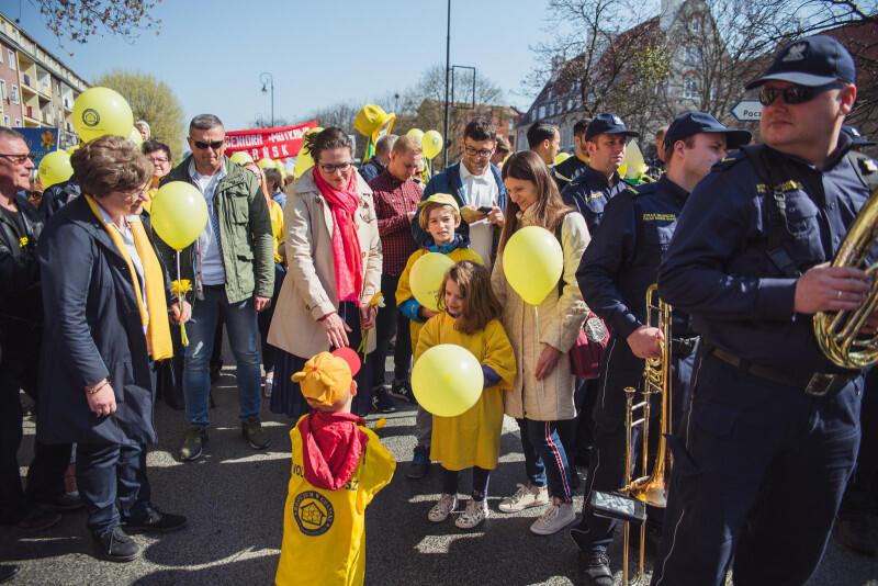 Najmłodszy wolontariusz kwestujący na pomorskie hospicja miał zaledwie kilka lat. Nz. z prezydent Gdańska Aleksandrą Dulkiewicz