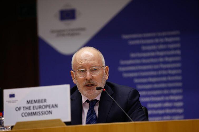 Frans Timmermans - komisarz UE ds. lepszej regulacji, rządów prawa i Karty Praw Podstawowych