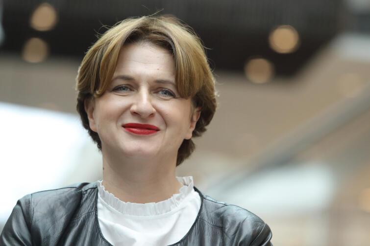 """Monika Wolińska w """"Hrabinie"""" odpowiada za kierownictwo muzyczne. Jako dyrygentka zadebiutowała w 2004 roku na Festiwalu Muzycznym w Lucernie, dziś prowadzi aktywną działalność koncertową na scenach całego świata"""