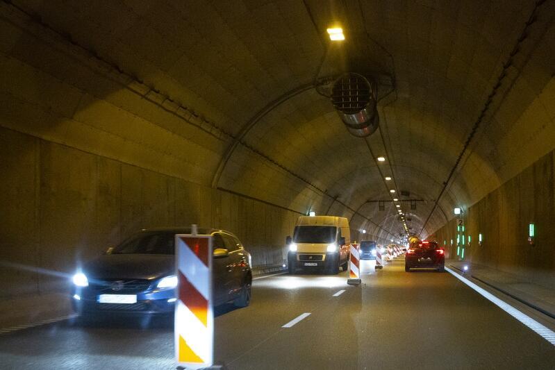 Nz. nitka T2 Tunelu pod Martwą Wisłą. Już została zamknięta. To w niej teraz trwają prace