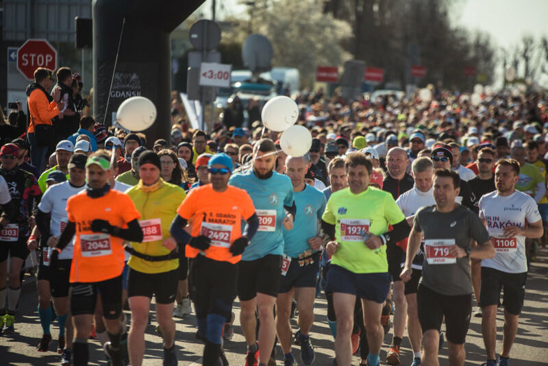 Na starcie głównego biegu stanęło 2,9 tys. osób