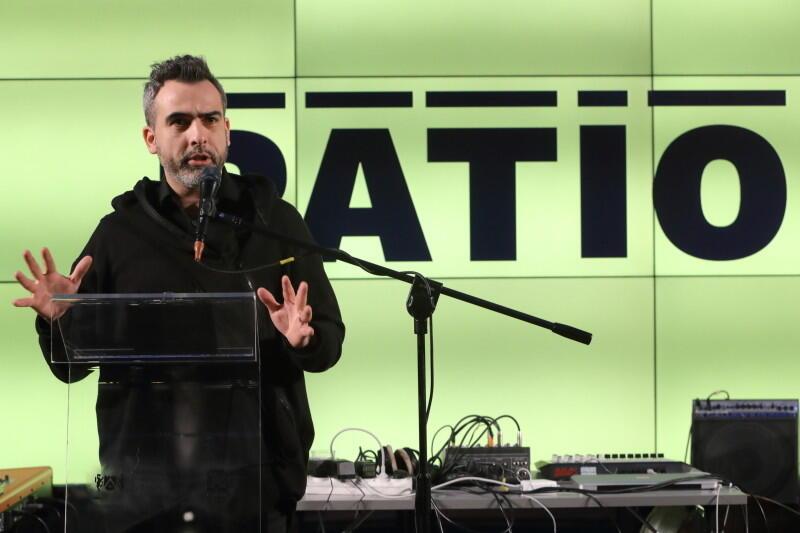 Abelard Giza podczas otwarcia PATIO w Akademii Sztuk Pięknych w Gdańsku