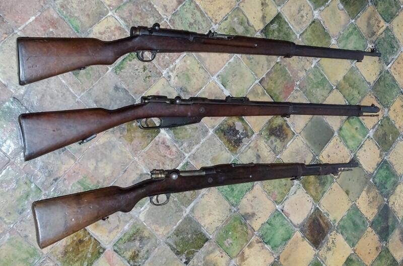 Od góry: japońska Arisaka, Gewehr 88 oraz belgijski Mauser 98