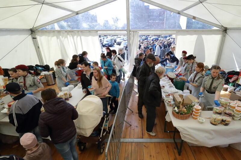 Śniadanie wielkanocne na Targu Węglowym odbyło się 20 kwietnia 2019 r. w południe