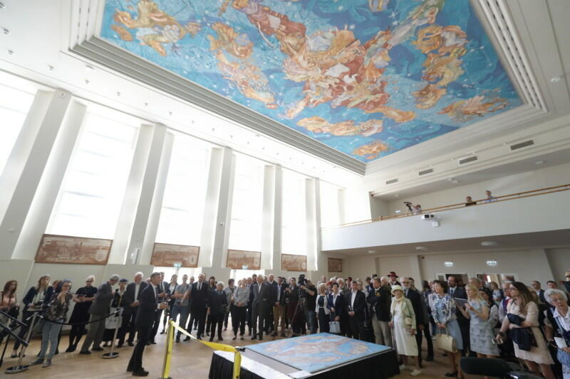 Odsłonięcie malowidła Polskie Niebo , 8 maja 2018 r., dawne Gimnazjum Polskie w Gdańsku, dziś Urząd Marszałkowski Województwa Pomorskiego