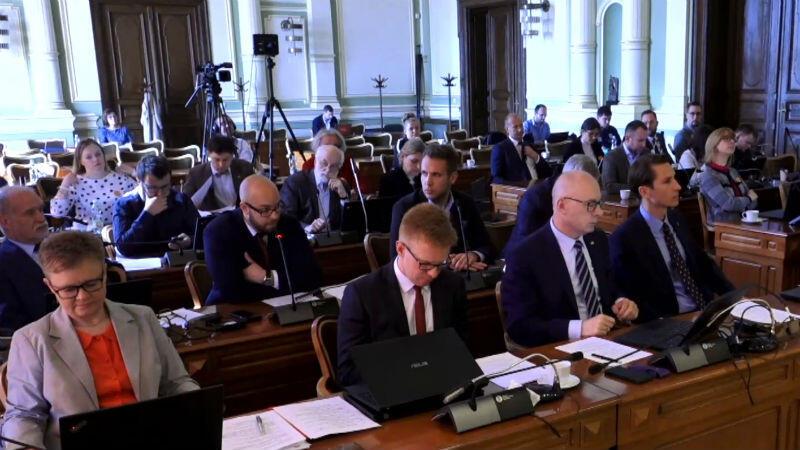 Radni Miasta Gdańska podczas sesji w dniu 25 kwietnia