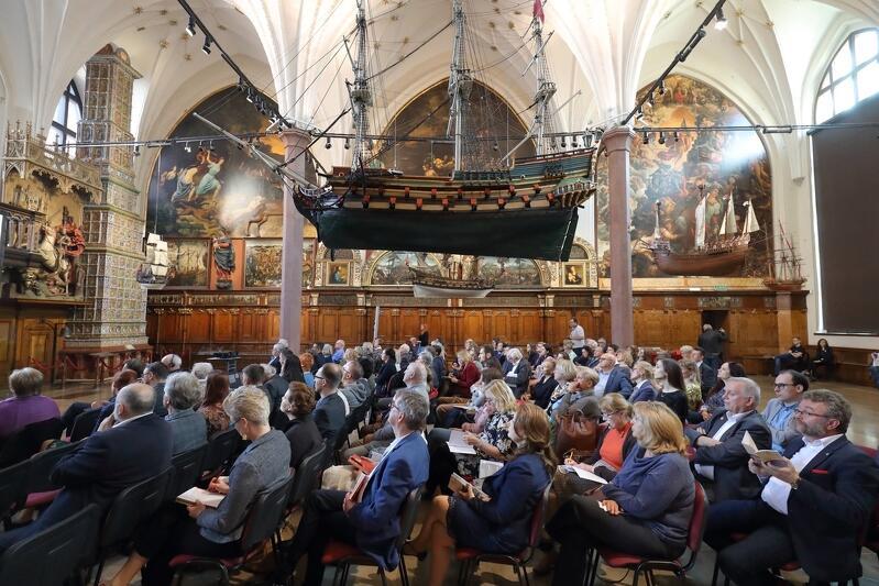 `Gotyk w Gdańsku` - dwudniowa konferencja w Dworze Artusa w 10-lecie przynależności Gdańska do Stowarzyszenia Europejski Szlak Gotyku Ceglanego