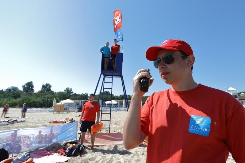 Ratownicy na kąpielisku w Brzeźnie, lato 2018 r.