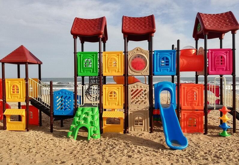 Nowy plażowy plac zabaw w Jelitkowie - przed nim pierwszy letni sezon