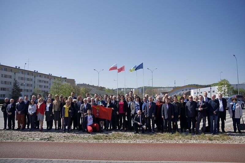 Po wspólnej sesji, radni Miasta Gdańska i Miasta Sopotu wykonali wspólne zdjęcie na rondzie, które nosić będzie nazwę Rondo 4 Czerwca 1989 r.