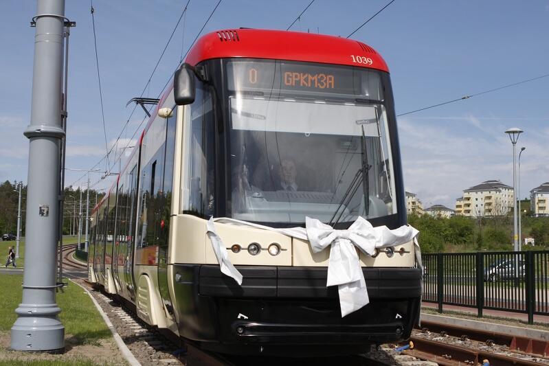 Jeden z nowych tramwajów PESA zakupionych w ramach Gdańskiego Programu Komunikacji Miejskiej