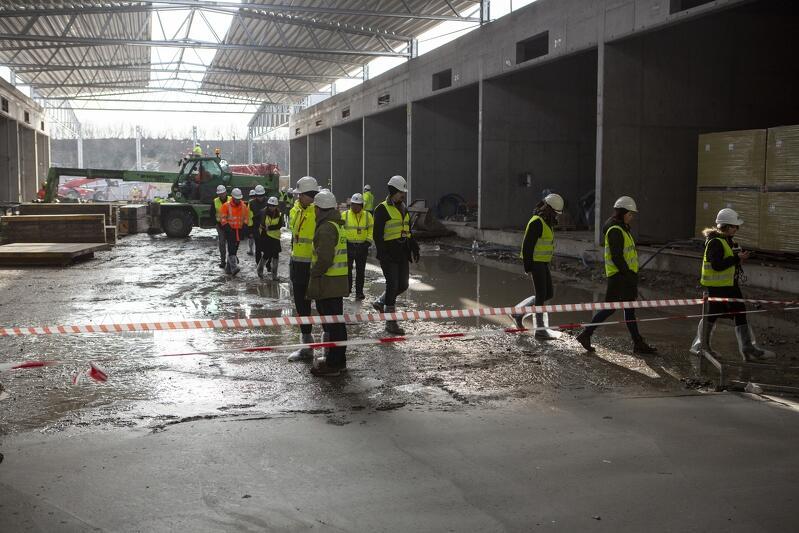 Dziennikarze wizytują budowę hermetycznej kompostowni w Zakładzie Utylizacyjnym, luty 2019 r.