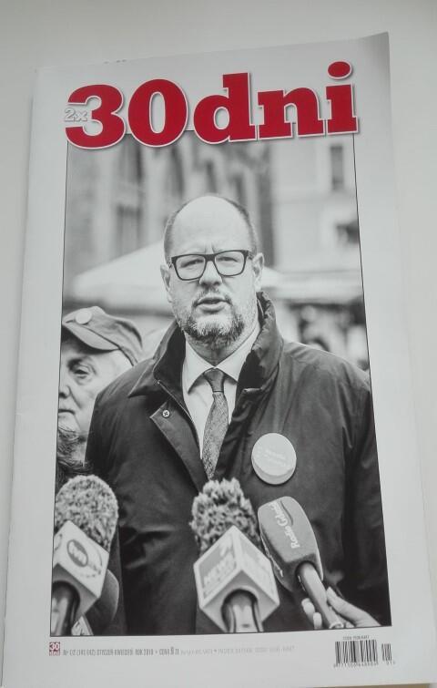 Czasopismo 30 dni  z portretem prezydenta Pawła Adamowicza, autorstwa Krzysztofa Mystkowskiego, na okładce
