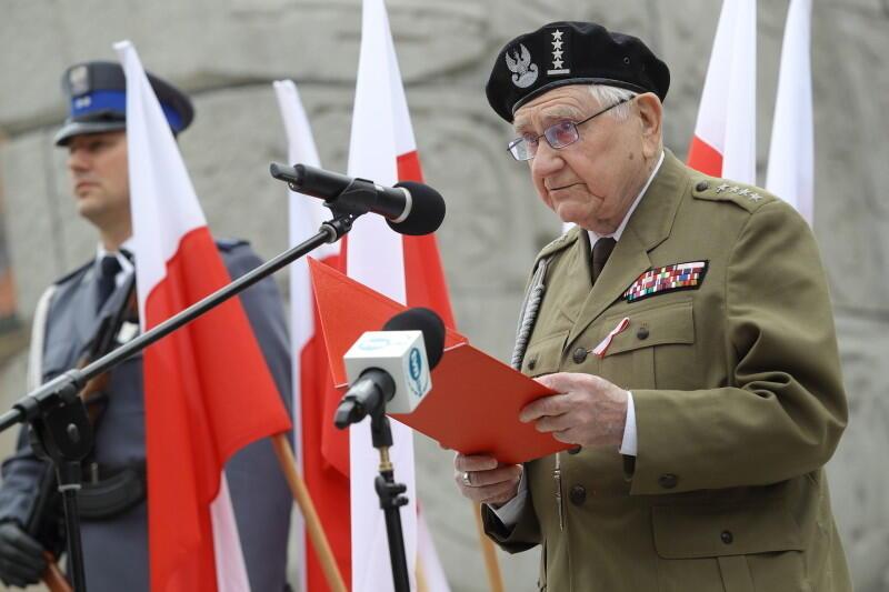 Przemawia kpt w st. spocz. Henryka Bajduszewskiego