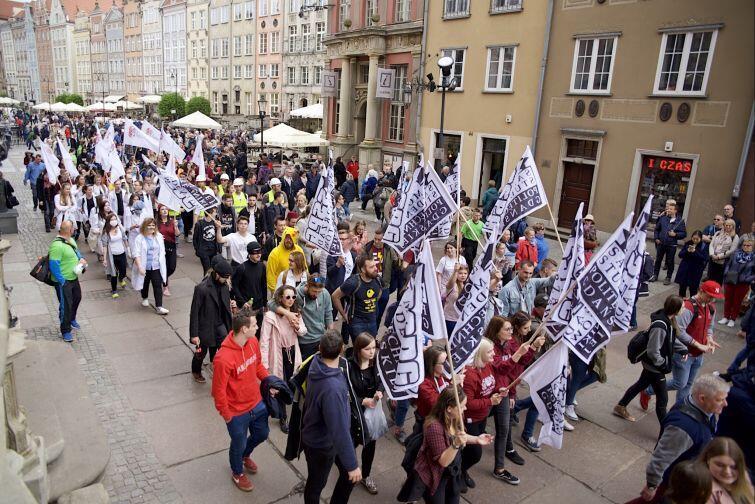 Korowód studentów przeszedł ulicami Gdańska