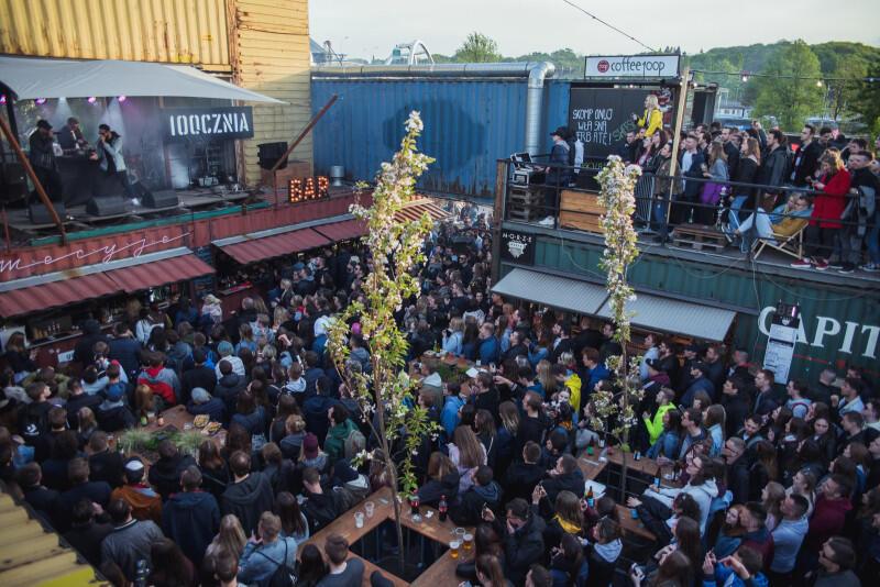 Juwenalia Gdańskie 2019. Tłumy na koncertach przy scenach na terenach postoczniowych