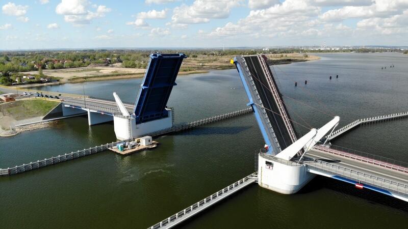 Most zwodzony na Wyspę Sobieszewską