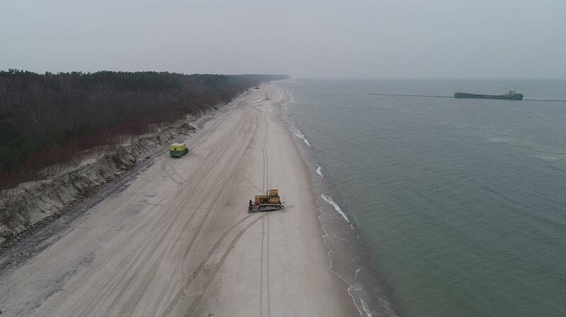 Plaża w Kuźnicy po jednej z corocznych refulacji na Półwyspie Helskim