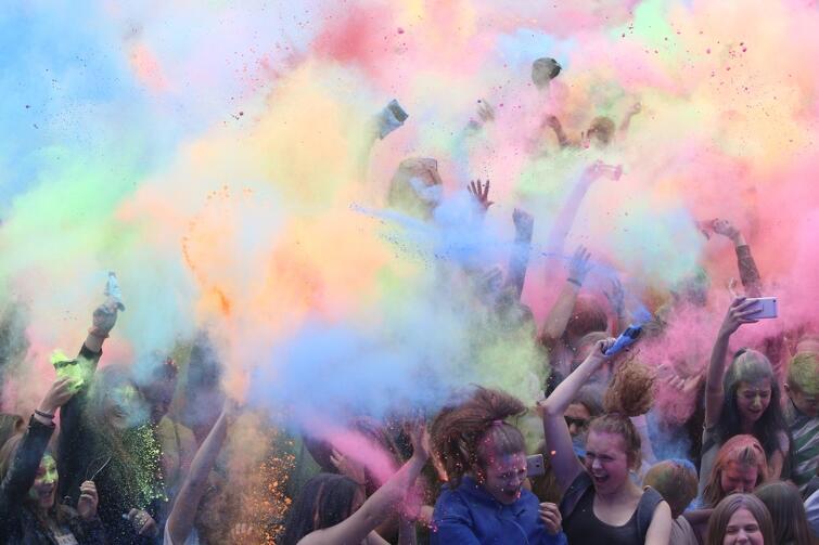Festiwal Kolorów to szaleństwo dla każdego i naprawdę jest bardzo... kolorowy