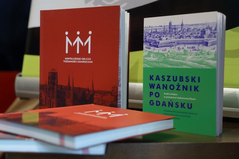 Obie książki są lekturą obowiązkową dla miłośników Gdańska