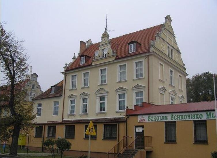 Pierwsza siedziba VIII LO w Gdańsku mieściła się w tym budynku przy ul. Kartuskiej 245