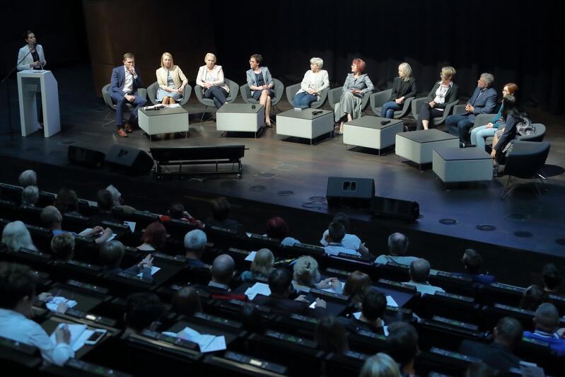 Biuro Rozwoju Gdańska opowiadało w piątek radnym dzielnic o swojej pracy